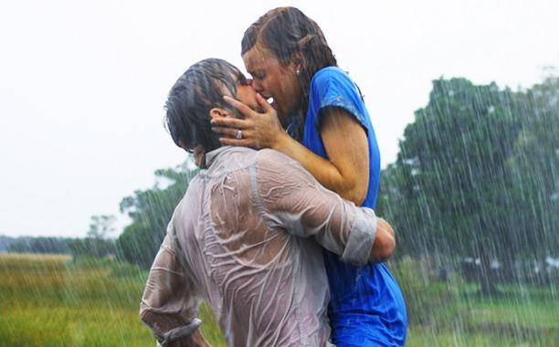 the-notebook-kiss_