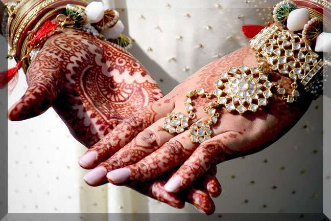 Henna hands-wedding
