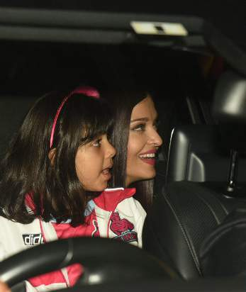 Aishwarya with aradhya