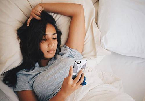 girl text on bed