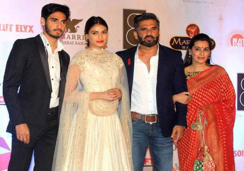 suniel-shetty with family