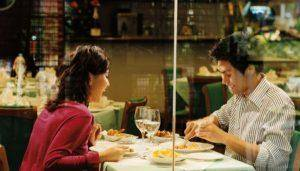 tips to pick up food on first date