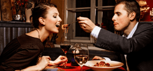 what should a woman order on her first date