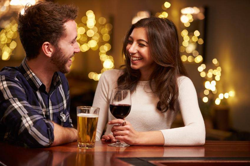 woman having a drink on her first date