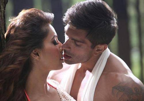 Karan and Bipasha Basu did not surely have my first kiss moment with each other but they definitely had that wonderful first time.