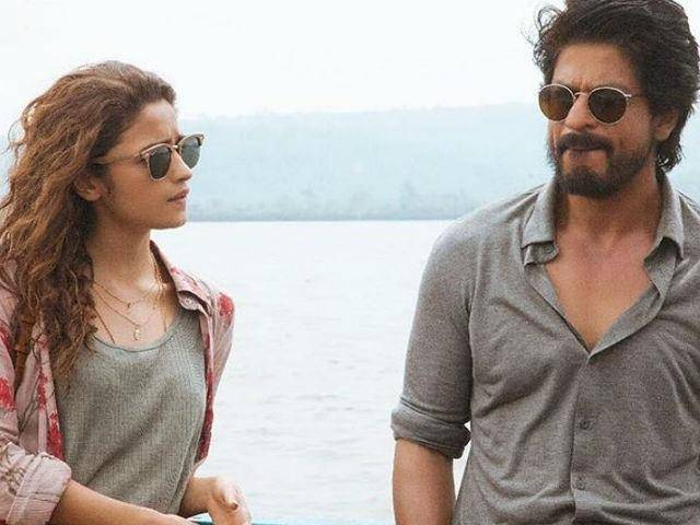 alia and shahrukh thinking