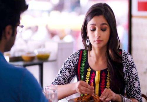 alia bhatt in 2 states eating non veg