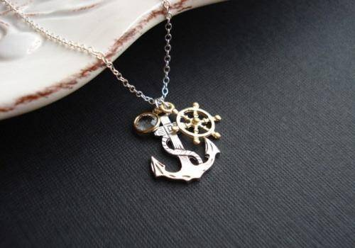 Anchor necklaces are amazing gift ideas