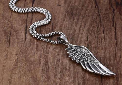 angel wing necklaces are amazing gift ideas