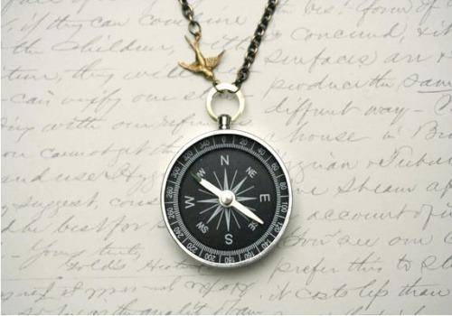 compass necklaces are ideal gift ideas for those who love travelling
