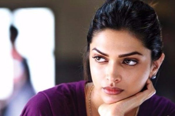 deepika face seems boring
