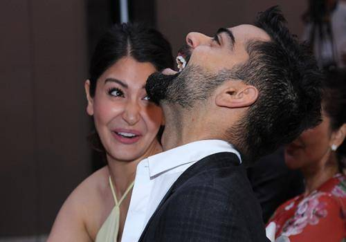 should couples have goals? Virat and Anushka have couple goals