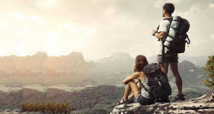 How can couples do budget travelling together