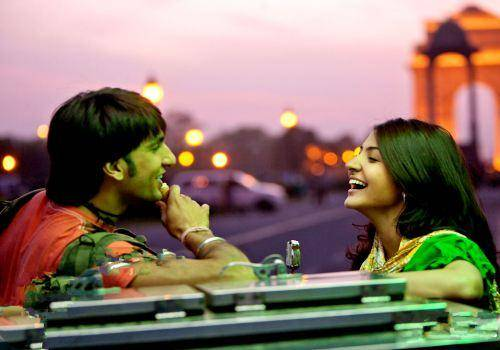 ranveer and anushka laughing in band baja barat