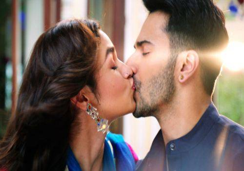 varun and alia kissing in badrinath ki dulhania