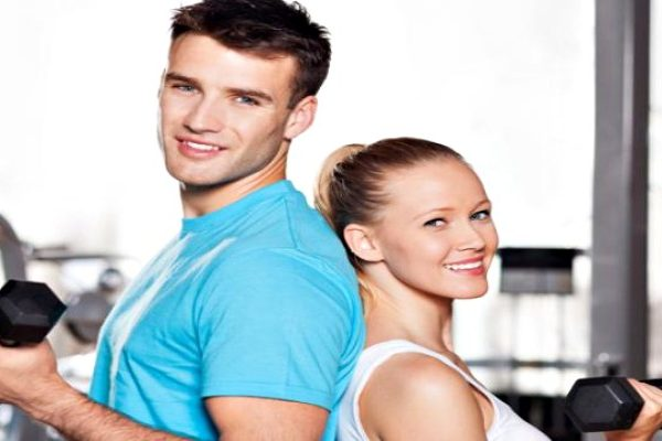 couple-doing-gym