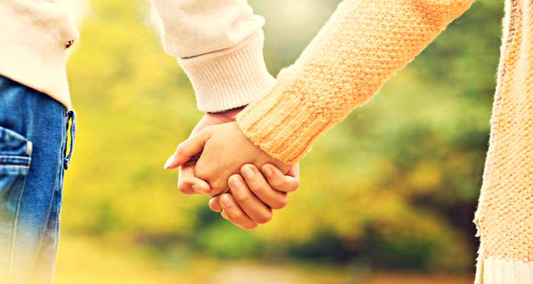picture-of-couple-holding-hands