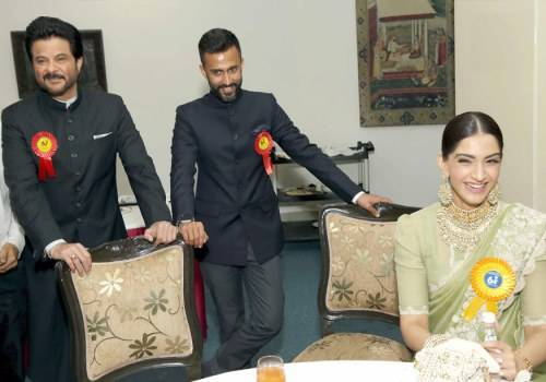 sonam with anil kapoor and anand ahuja