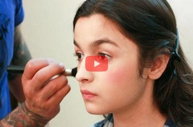 alia doing makeup