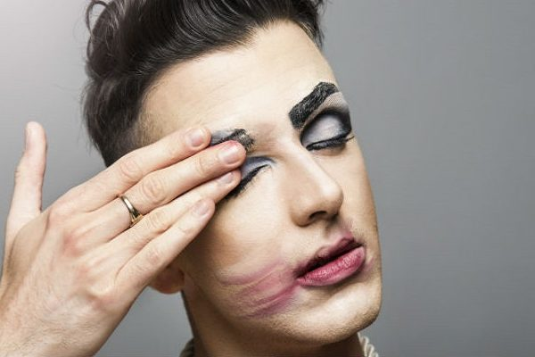 gay-man-with-make-up