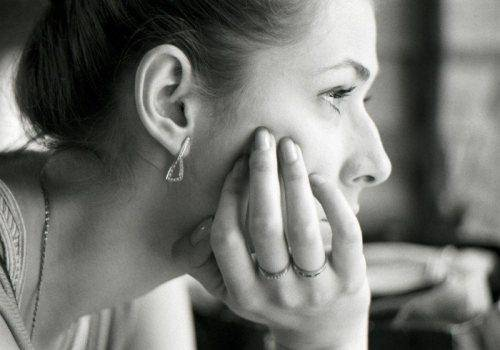lady in deep thinking