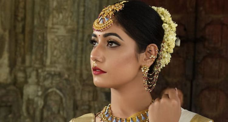 Wearing gajra to beautify your hair is hot