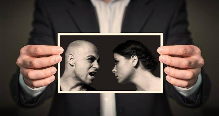 couple fighting image