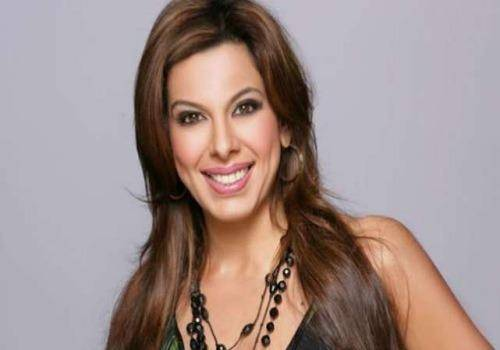 stylish pooja bedi