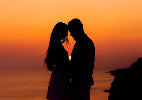 https://www.wallpaperup.com/171870/mood_girl_woman_boy_man_silhouette_love_feelings_romance_sunset.html