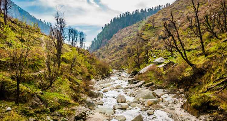 One of the more underrated romantic destinations in India, this place is perfect to visit in summer and beat the heat.