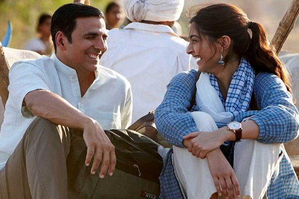 akshay and sonam in padman