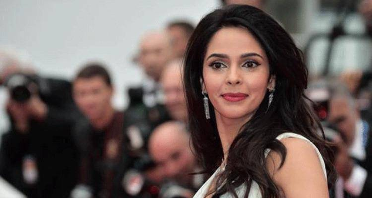 beautiful Mallika Sherawat