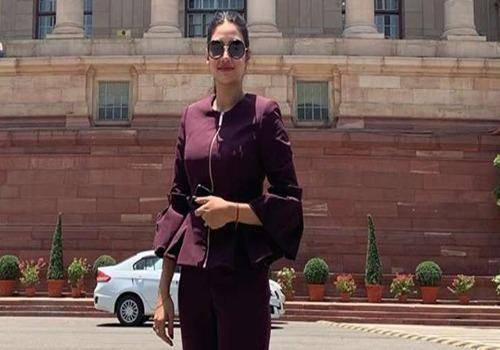 Nusrat Jahan in front of the parliament