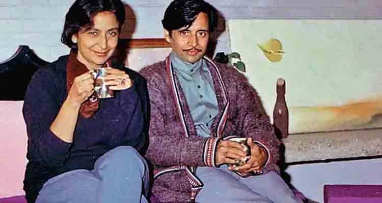 Amrita Pritam and Imroz in their home