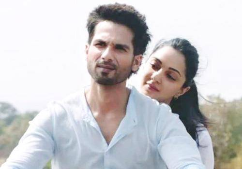 Kabir Singh governs Preeti's life. She does not protest
