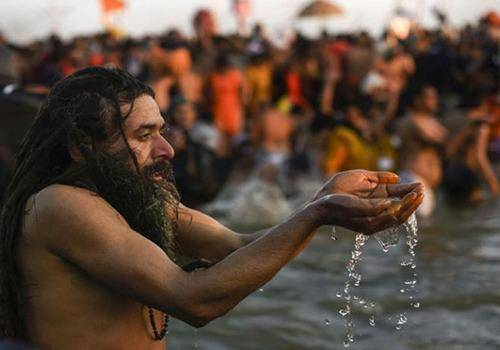 On Moon Day we tell you how during kumbh astrologers set bath days according to moon