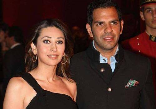 Arrange Marriage of Karisma Kapoor and Sunjay Kapur. They were bollywood celebs in arranged marriage
