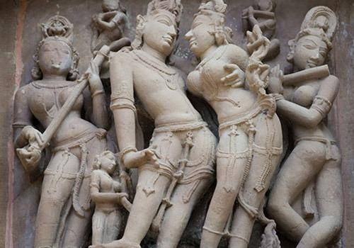 there are temples in india with sculptures  posing sexuality
