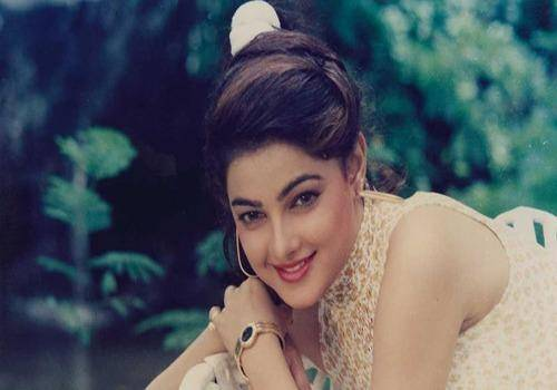 Bollywood actresses quit acting due to their family problem. Mamta Kulkarni got involved with the underworld.