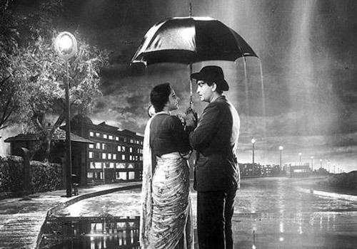 Raj-Kapoor-and-Nargis-