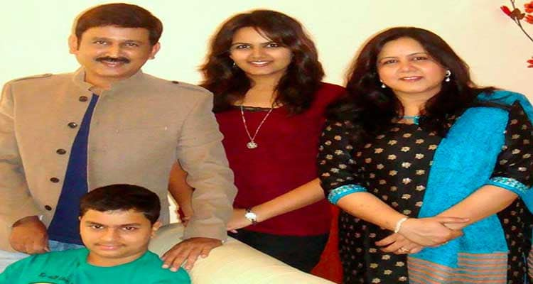 Ramesh Aravind with his family