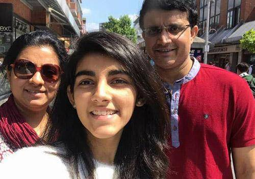 Sourav Ganguly , his wife & daughter spending time together