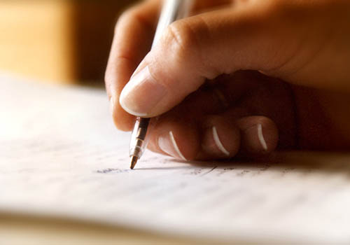 writing love note to her
