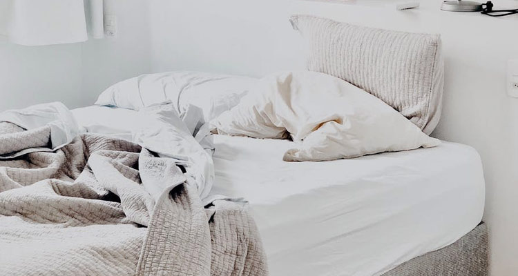 The bed space before and after marriage