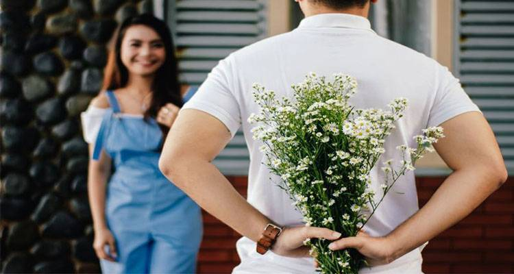 Man gives flowers gift