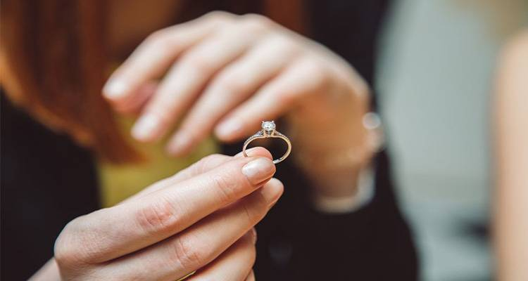 Removing the engagement ring