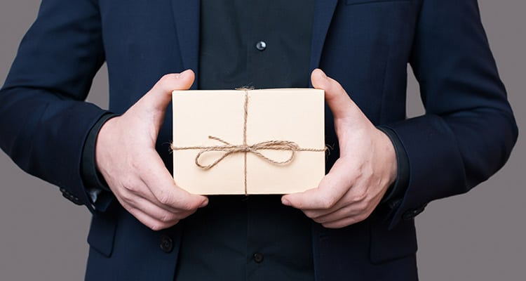 warning signs of spouse cheating -they would be bringing home gifts