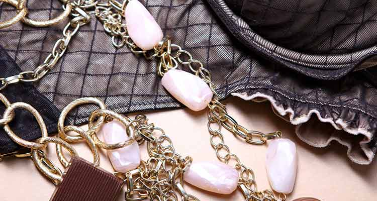 good gift ideas for women - accessories