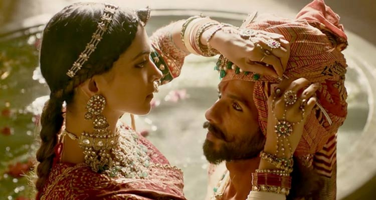 King Ratan Rawal, the ruler of Chittor, defeated Padmavati (who was the opponent herself in disguise) and won her heart.