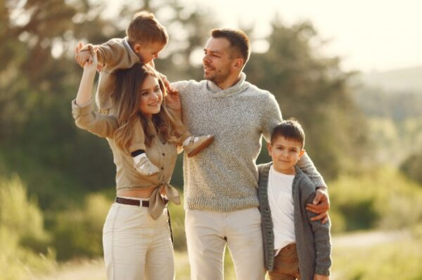 What affects family dynamics psychology